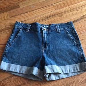 DKNY denim shorts size 6 EUC